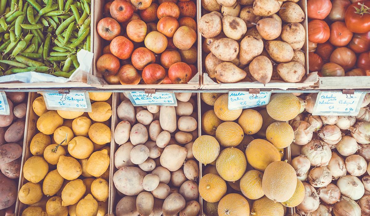 Geld sparen beim Einkaufen mit Unverträglichkeiten. 15 wertvolle Tipps, wie du mit Lebensmittelunverträglichkeiten und Reizdarm günstig einkaufen kannst. Wenn du noch mehr Tipps & Motivation brauchst, um deine Nahrungsmittelunverträglichkeiten oder deinen Reizdarm in den Griff zu bekommen, dann besuche mich gerne auf meinem Blog www.weglasserei.de Dort zeige ich dir, wie du die Ernährungsumstellung am besten angehst. Außerdem findest du leckere FODMAP-arme Rezepte, die glutenfrei, laktosefrei, fructosearm und bei Reizdarm bekömmlich sind.
