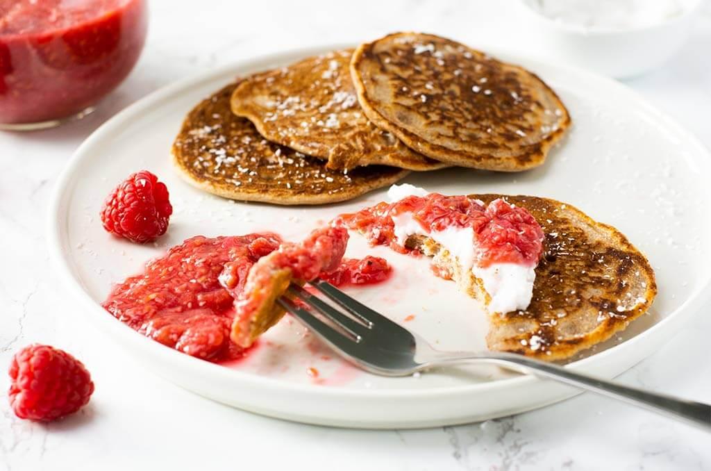 Fluffige Buchweizen Pancakes ohne Milch und Zucker