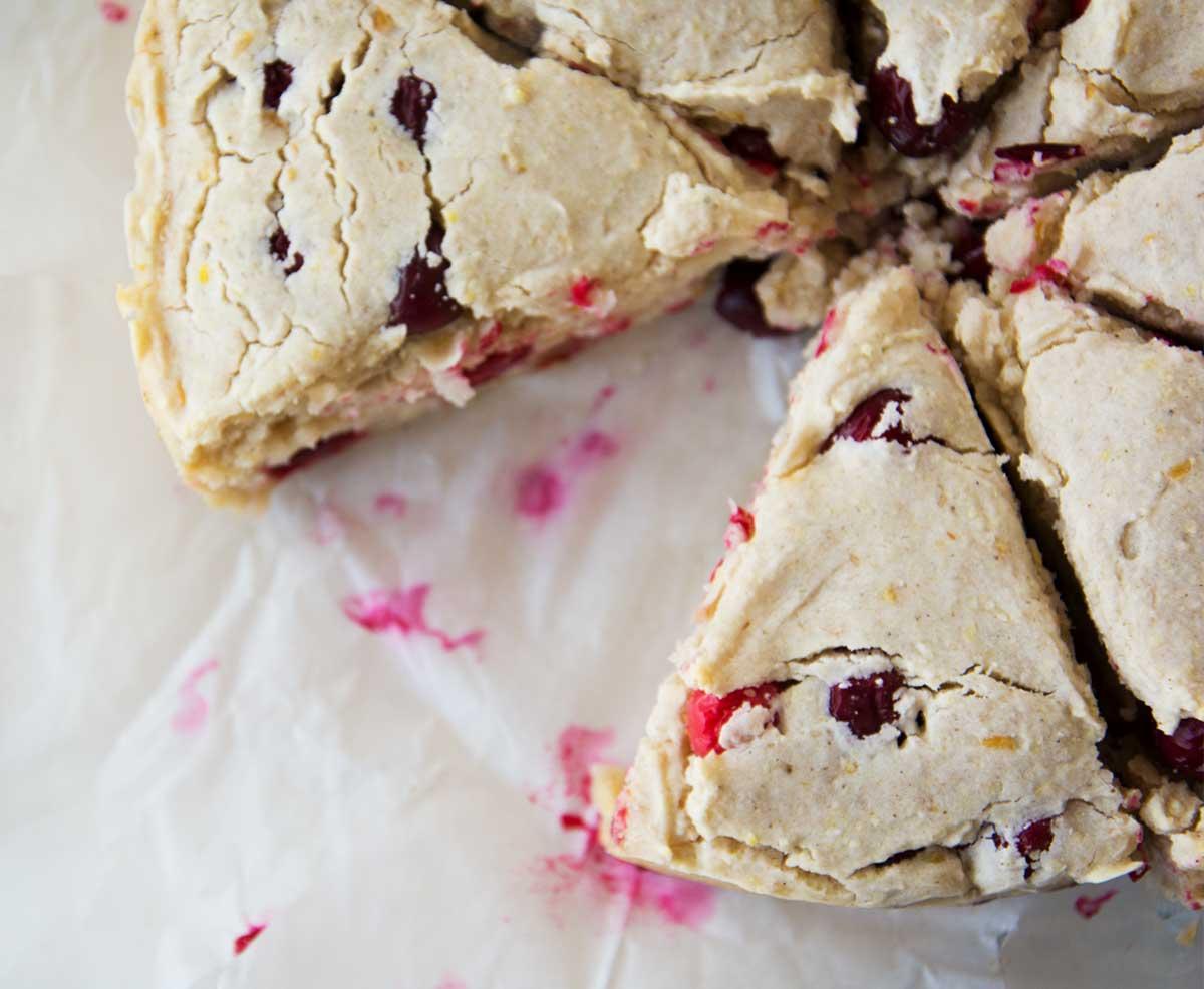 Rezept für fluffige Scones mit frischen Cranberries