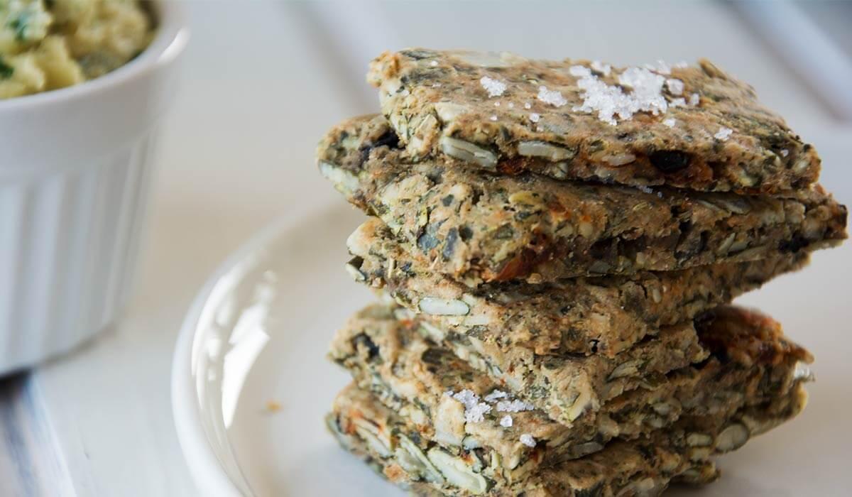 Gesund knabbern - Knusprige Cracker aus der Weglasserei