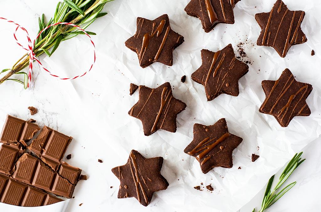 Glutenfreie Weihnachtsplätzchen mit Schokoladenfüllung