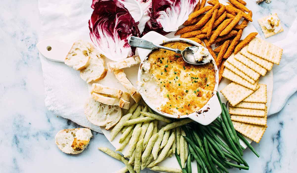 Brauchst du Motivation für gesunde Ernährung? Hier kommen 13 unschlagbare Gründe endlich deine Ernährungsumstellung anzugehen. Wenn du noch mehr Tipps & Motivation brauchst, um deine Nahrungsmittelunverträglichkeit, Lebensmittelunverträglichkeit oder deinen Reizdarm in den Griff zu bekommen, dann schau gerne auf meinem Blog www.weglasserei.de vorbei. Dort zeige ich dir, wie du die Ernährungsumstellung am besten angehst. Außerdem findest du leckere FODMAP-arme Rezepte, die glutenfrei, laktosefrei, fructosearm und bei Reizdarm bekömmlich sind.