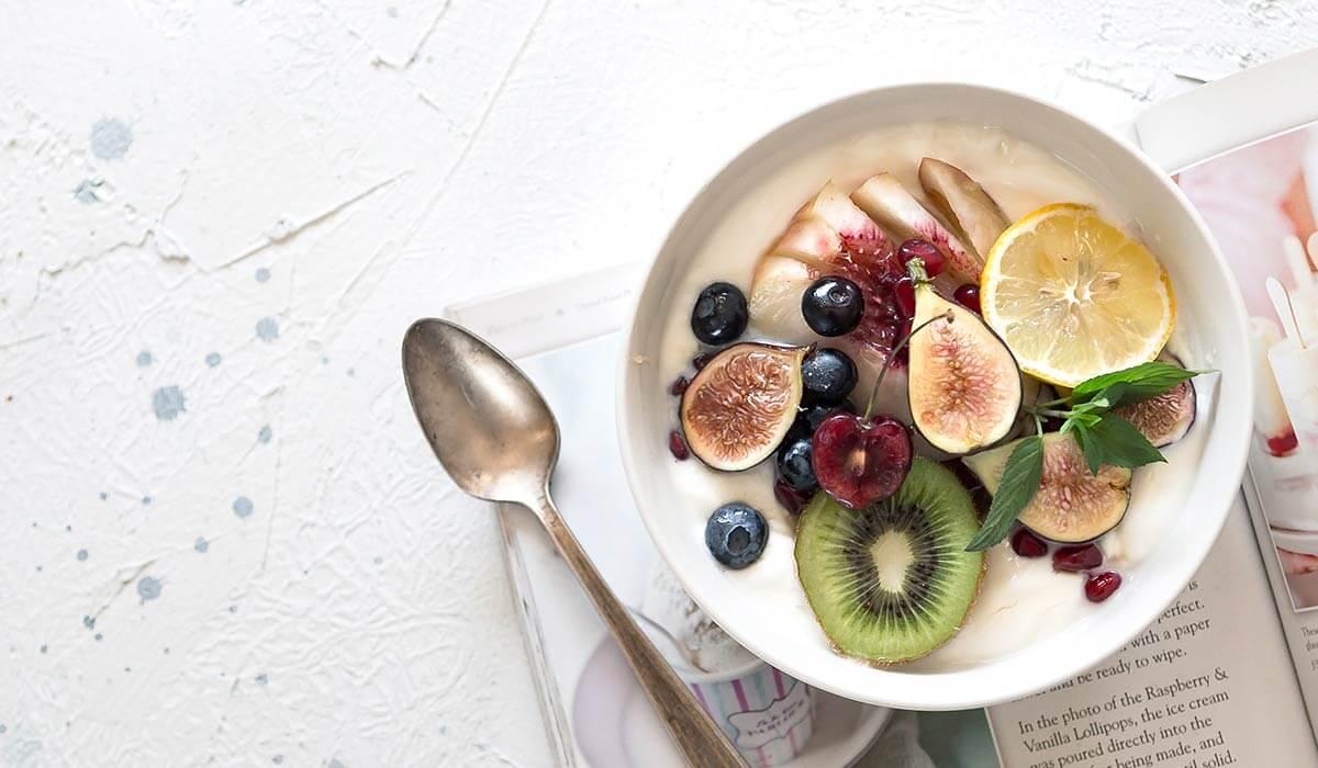 13 unschlagbare Gründe endlich deine Ernährung auf gesund umzustellen. Noch mehr Motivation für gesunde Ernährung geht nicht. Brauchst du Motivation für gesunde Ernährung? Hier kommen 13 unschlagbare Gründe endlich deine Ernährungsumstellung anzugehen. Wenn du noch mehr Tipps & Motivation brauchst, um deine Nahrungsmittelunverträglichkeit, Lebensmittelunverträglichkeit oder deinen Reizdarm in den Griff zu bekommen, dann schau gerne auf meinem Blog www.weglasserei.de vorbei. Dort zeige ich dir, wie du die Ernährungsumstellung am besten angehst. Außerdem findest du leckere FODMAP-arme Rezepte, die glutenfrei, laktosefrei, fructosearm und bei Reizdarm bekömmlich sind.