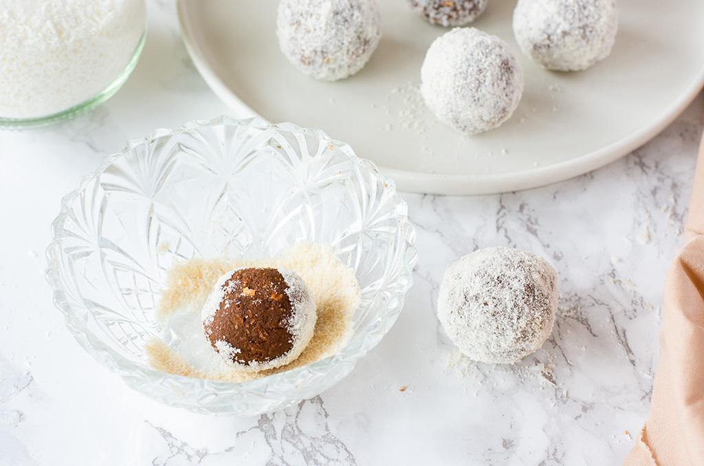 Glutenfreie Schokobälle inspiriert von den schwedischen Choklatbollar