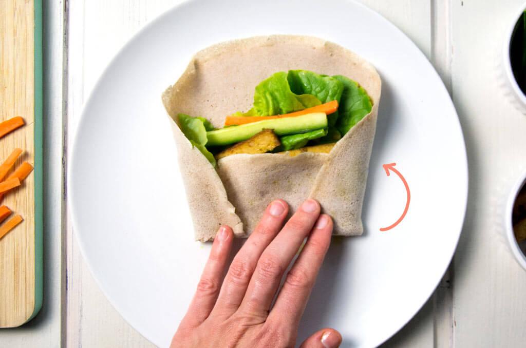 Glutenfreie Wraps richtig einrollen