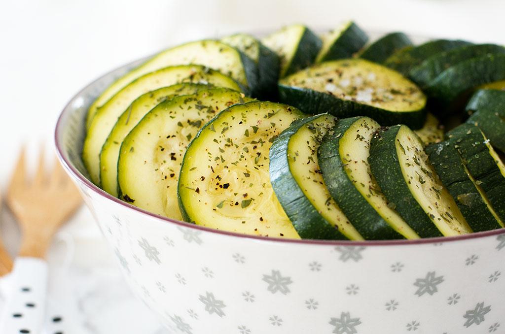 FODMAP-armer gekochter Zucchinisalat
